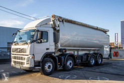 Camion citerne alimentaire Volvo FM 440