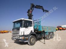 Vrachtwagen platte bak Scania 94L