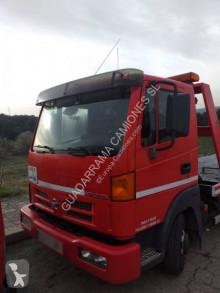 Camion dépannage Nissan Atleon 110.56