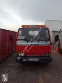 Camion dépannage Nissan Cabstar 110.35