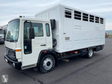 Camión remolque ganadero Volvo FL 610