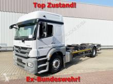 Mercedes ponyvával felszerelt plató teherautó Axor 1829 L 4x2 1829 L 4x2 mit LBW, Ex-Bundeswehr