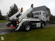 Kamión vozidlo s hákovým nosičom kontajnerov MAN TGA 18.350