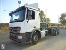 Camión Mercedes Actros 2532 chasis usado