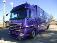 Camion van à chevaux Mercedes Actros 2545