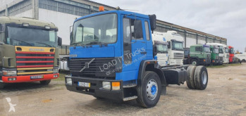 Camion châssis Volvo FS7 20