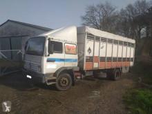 Vrachtwagen veewagen voor runderen Renault Midliner 230
