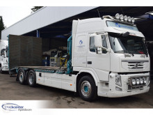 Kamión kamión na prepravu vozidiel Volvo FM 330