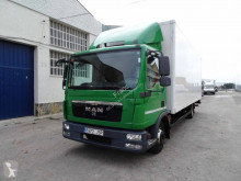 MAN box truck TGL 8.220