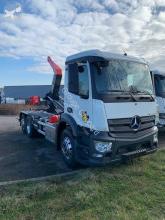 Kamión vozidlo s hákovým nosičom kontajnerov Mercedes Actros 2535 L