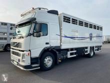 Camión remolque ganadero Volvo FM 370