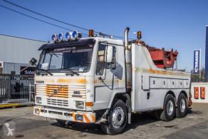 Lastbil bugsering Volvo FL10