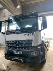 Camion dublu Mercedes Arocs 3243
