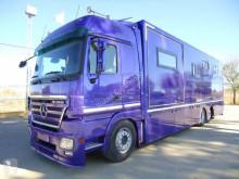 Mercedes állatszállító pótkocsi teherautó