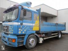 Camión MAN 19.403 caja abierta usado