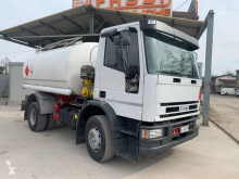Vrachtwagen tank koolwaterstoffen Iveco Eurotrakker 150E23