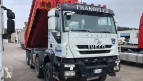 Camión volquete Iveco Trakker 410 T 50