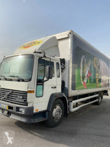 Camion magasin Volvo FL 615