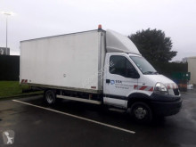 Camion fourgon Renault Mascott