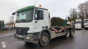 Kamión vozidlo s hákovým nosičom kontajnerov Mercedes Actros 2641