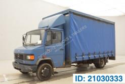 Lastbil skjutbara ridåer (flexibla skjutbara sidoväggar) Mercedes 811
