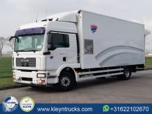 Camião MAN TGM 12.240 furgão usado