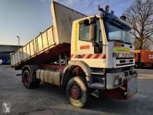 Camião basculante Iveco Trakker