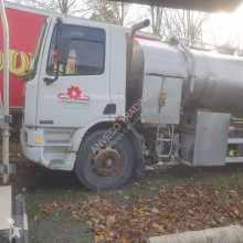 Camião DAF citern 75-300 cisterna usado