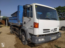 Camião Nissan Atleon 150.21 porta contentores usado