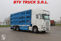 Camión Scania R 164-480 TRASPORTO ANIMALI VIVI BOVINI OVINI SUINI usado