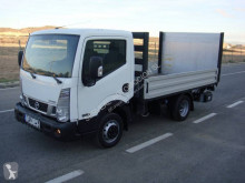 Camion Nissan NT 400 plateau occasion