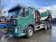 Volvo betonkeverő beton teherautó FM 440