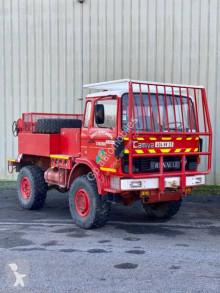 Kamion cisterna na vodu Renault 75.130
