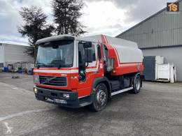 Volvo tartálykocsi teherautó FL6 15