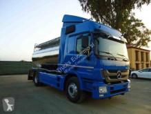 Teherautó Mercedes használt tartálykocsi