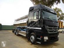 Camion Mercedes cisterna usato
