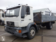 Camion MAN 18.224 plateau occasion