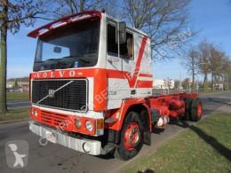 Camión Volvo F12 chasis usado