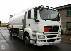Camion citerne hydrocarbures MAN TGS 26.440