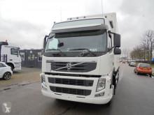 Camión furgón Volvo FM 330