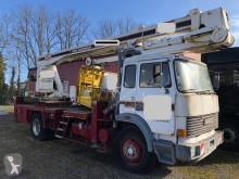 Iveco teleszkópos izületes emelőkosár teherautó 170.35