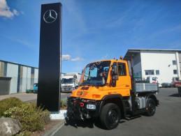 Camion plateau ridelles Mercedes UNIMOG U300 4x4