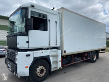Camion fourgon Renault Magnum 420