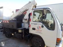 Vrachtwagen Isuzu NKR tweedehands hoogwerker