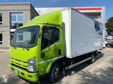 Vrachtwagen Isuzu P75 tweedehands bakwagen polyfond bakwagen