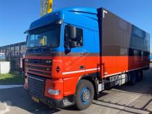 Camión DAF XF105 furgón usado