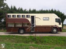 Iveco lószállító utánfutó teherautó