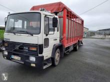 Lastbil Volvo FL6 boskapstransportvagn begagnad