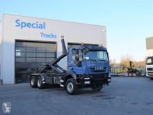 Iveco billenőplató teherautó Trakker 450