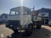 Camion plateau ridelles Iveco 180.26